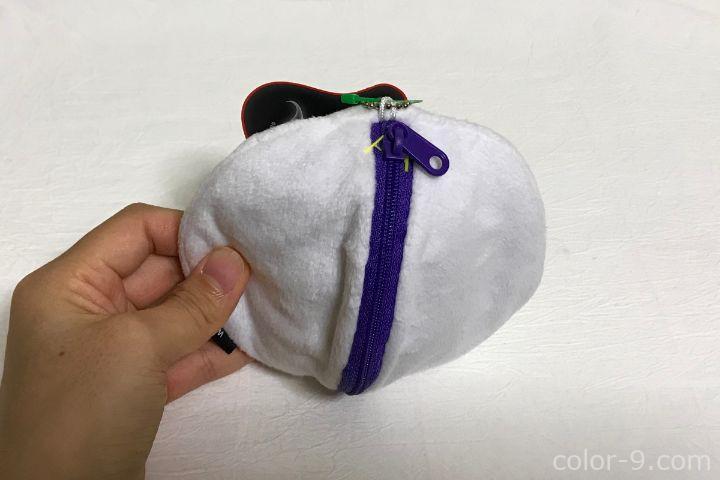 ポーチ裏・紫色のファスナー